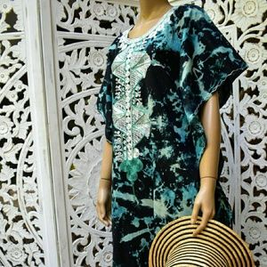 Vintage Caftan. Free size embroidered